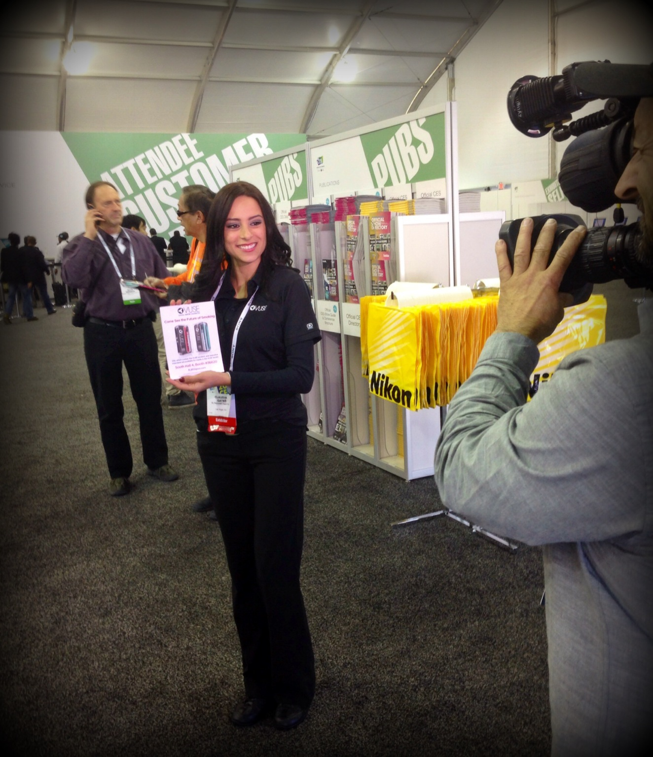 Los Angeles Trade Show Booth Assistant CLAUDIA GATES 94812